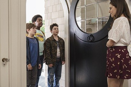Jacob Tremblay as Max, Keith L. Williams as Lucas, Brady Noon as Thor and Molly Gordon as Hannah in
